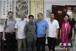 6通州区文联主席樊淑玲(右一)书画家华敬俊(右三)通州老年书画研究会副会长萧肃(右四)